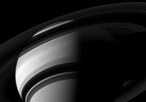 Новини науки - космос: Атмосфера Сатурна взаємодіє з системою його кілець