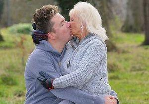 Новини Великобританії: Літня британка, виконуючи останню волю чоловіка, збільшить груди і вийде заміж