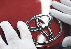 Автомобили Toyota - Крупнейший японский автопроизводитель получил многомиллионный штраф из-за отзыва машин