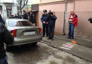 Затримані на службовому автомобілі міліціонери не вели спостереження за Яценюком у Чернівцях - МВС