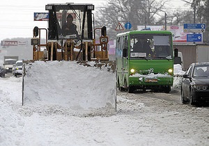 Негода в Україні - снігопад - новини Києва - Видання викрило КМДА у використанні фото очищення від снігу московських доріг