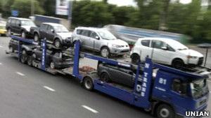 ЄС закликав Україну скасувати мита на імпортні авто