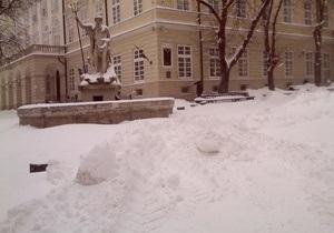 Погода в Україні - негода - новини Львова - У Львові за останні два дні випало 45 млн кубометрів снігу