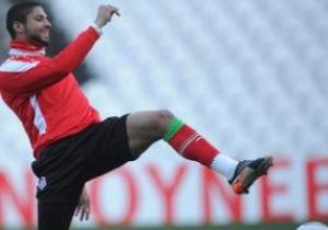 Распустил кулаки. Португальский футболист избил одноклубника в раздевалке