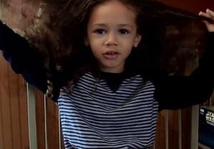 У США трирічний хлопчик пожертвує свої волосся дітям, які пройшли хіміотерапію