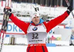 Биатлон. Норвежец Свендсен победил в гонке преследования