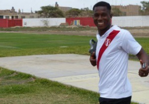 17-летний перуанский футболист оказался 25-летним эквадорцем - СМИ