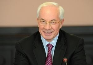 Азаров пообещал выделить деньги на перевозку пострадавших пассажиров АэроСвита