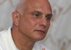 Муж Тимошенко: Прошу подконтрольные суды Януковича запретить мне дышать и есть
