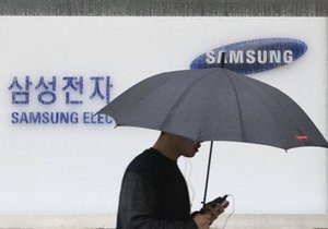 В Южной Корее разгорается новый скандал вокруг условий труда работников Samsung
