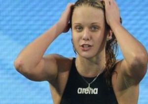 Российская пловчиха выиграла медаль ЧМ в порванном купальнике