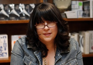 Автора еротичного роману 50 відтінків сірого назвали Людиною року у книговидавництві