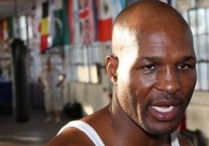 Боксер, отсидевший 11 лет за ограбления, возвращается на ринг
