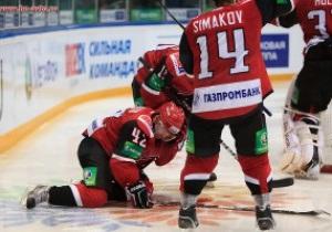 Хоккеисту в ходе матча разрезали коньком сонную артерию