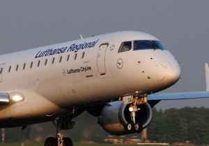 Бортпроводники Lufthansa проводят восьмичасовую забастовку