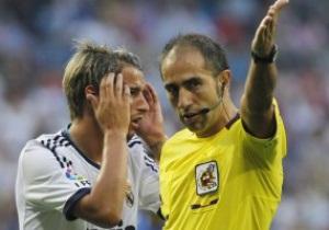 Ла Лига выписала дисквалификации защитнику Реала и тренеру Барселоны