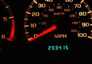 Автомобілі в найближчому майбутньому стануть об єктами атак хакерів - експерти