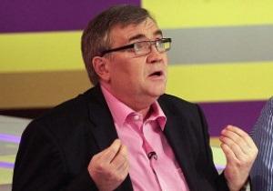 Канал Футбол берет на работу известного российского телекомментатора