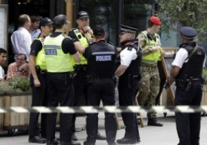 Полиция арестовала болельщика Олимпиады-2012 за то, что тот не улыбался