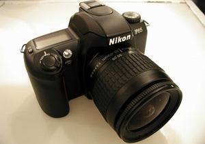Прибыль Nikon упала почти на 50%