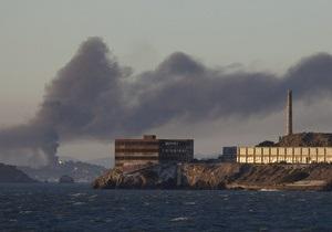 У Каліфорнії горить найбільший нафтопереробний завод
