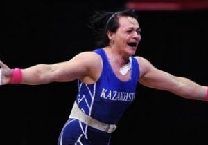 Представительница Казахстана завоевала золото Олимпиады в тяжелой атлетике