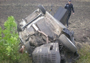 У лобовому зіткненні автомобілів у Харківській області загинули чотири людини