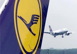 Прибыль крупнейшего немецкого авиаперевозчика резко упала