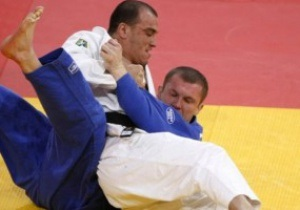 Прапороносець збірної України програв у першій же сутичці на Олімпіаді-2012