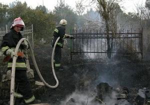 У Миколаєві горить кладовище