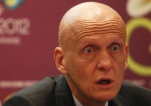 Экс-арбитр ФИФА: Коллина устраивает диктатуру своего видения арбитража