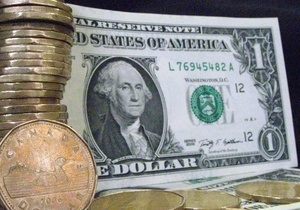Долар і євро продовжили зниження на міжбанку