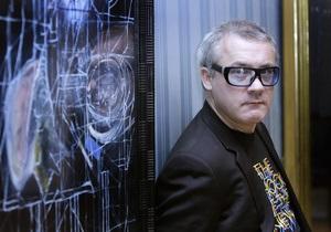 Демієн Герст перетворить автомат Калашникова на витвір мистецтва