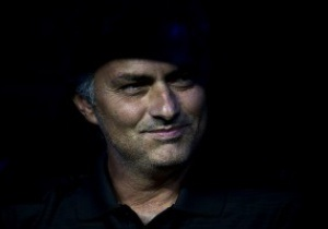 С Моуриньо сняли дисквалификацию за удар в глаз нового главного тренера Барселоны