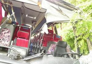 Фотогалерея: Трагедія з паломниками. Репортаж з місця аварії на трасі Київ - Чернігів