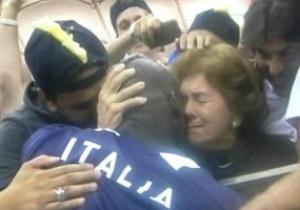 Мать Балотелли: Марио плакал и просил привезти папу в Киев