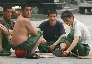 Китайці звинуватили уйгурів у спробі викрасти літак