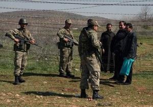 ЗМІ: Туреччина перекидає додаткові війська на кордон із Сирією