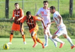 Шахтар здобув перемогу над чемпіоном Албанії