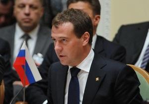 Медведев не поехал с Азаровым на полуфинал ЧЕ, потому что там нет сборных России и Украины