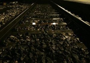 Янукович підписав закон про підвищення штрафів за порушення правил проїзду через залізничні переїзди