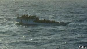 Біля берегів Австралії врятували 123 пасажирів затонулого судна