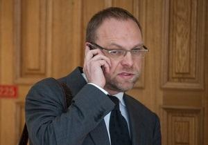 Голови Верховного суду і Вищого спецсуду незабаром стануть регіоналами - Власенко