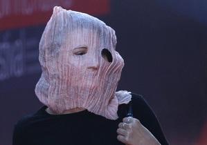 Відкриття ММКФ: жінка у масці Pussy Riot, скандал із фільмом і нагородження Тіма Бертона