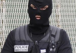 Злочинець, який захопив заручників у банку в Тулузі, звільнив одну жінку
