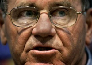 Сабо вважає, що Суркіс підкупом отримав Євро-2012 для України