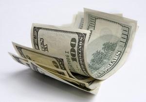 Міжбанк закриває тиждень падінням долара