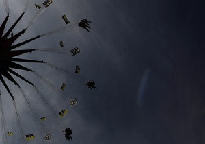 У Києві на Співочому полі заборонили роботу трьох атракціонів