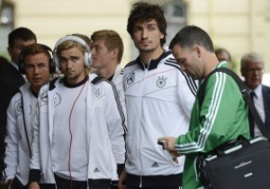 Сборные Голландии и Германии прибыли в Харьков