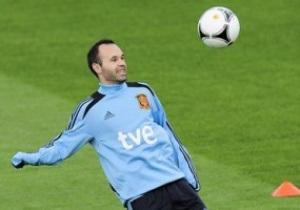 Иньеста: Испания - фаворит в матче с Италией